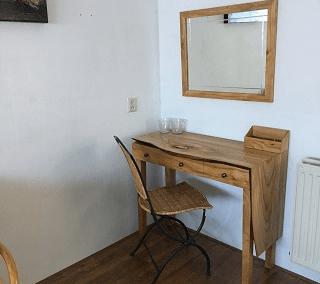 sidetable met spiegel